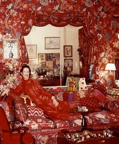 "Diana Vreeland instructed her decorator, Billy Baldwin, to furnish her home like ""a garden in hell"""