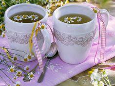 Kamillenblüten-Tee | Zeit: 15 Min. | http://eatsmarter.de/rezepte/kamillenblueten-tee