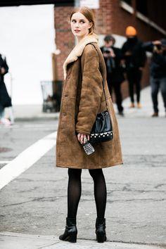 Le mannequin Rianne en peau lainée à la Fashion Week de New York Fall 2016 - February 2016