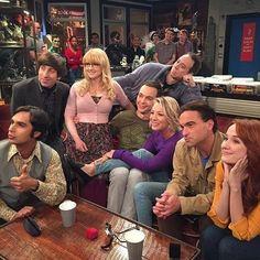 the big bang theory, fandoms, and jim parsons image Big Bang Theory Series, The Big Theory, Big Bang Theory Funny, Johnny Galecki, Jim Parsons, Carl Grimes, Daryl Dixon, The Big Bang Theroy, Tbbt