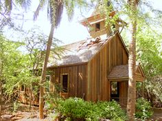I've heard about a ghost town. sounds peaceful. Keomuku Chapel, 100 years Oct. 03 #Hawaii