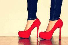 Chaussures à talon aiguilles, rouge.