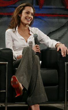 angelina jolie Angelina Jolie Beowulf, Angelina Jolie Movies, Angelina Jolie Photos, Angelina Joulie, Inverted Triangle Outfits, Jolie Pitt, Divas, Workwear Fashion, Celebs