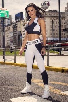 Top SH Label White e Calça Fit Fever - Super Hot TOP455-CAL454 Dani Banani…