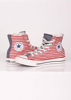 Converse Flag Hi Top - std Converse Sneakers, Converse All Star, Converse Chuck Taylor, High Top Sneakers, Converse Girls, Cute Shoes, Me Too Shoes, American Flag Converse, Baskets
