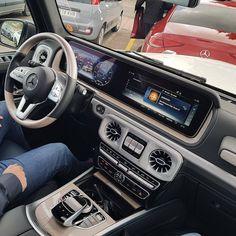 Mercedes G Class, Mercedes Car, Suv Cars, Sport Cars, Benz G, Square Body, Car Interiors, Maybach, Jeep Truck