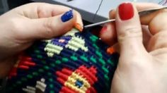 Bolsa inspirada no modelo Wayuu ༺✿ƬⱤღ https://www.pinterest.com/teretegui/✿༻