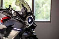 Burasca gives Honda's VFR the Drudi treatment Honda Vfr, Aldo, Gs 1200 Adventure, Performance Bike, Bicycle Shop, Helmet Design, Bike Frame, Motorcycle Bike, Golf Bags