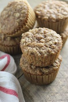 Muffins A healthy muffin made with applesauce and oats. They are moist and full of flavor. A tasty healthy breakfast or snack.A healthy muffin made with applesauce and oats. They are moist and full of flavor. A tasty healthy breakfast or snack. Applesauce Muffins, Oat Muffins, Healthy Muffins, Healthy Snacks, Oat Pancakes, Baking With Applesauce, Heart Healthy Desserts, Protein Muffins, Healthy Sweets