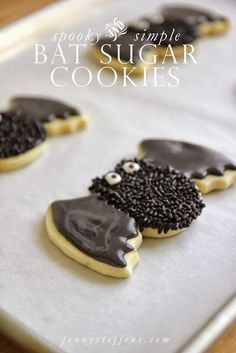 Spooky Bat Sugar Cookies:Cover sugar cookies with chocolate frosting and load on the sprinkles for extra oomph. Just make sure to eat them up before they fly away.Find more easy to make and decorate,quick and kid friendly Halloween cookie ideas here!