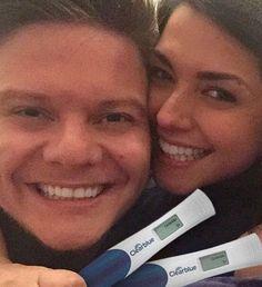 O casal Michel Teló e Thais Fersoza comemora gravidez (Foto: Reprodução/Instagram)