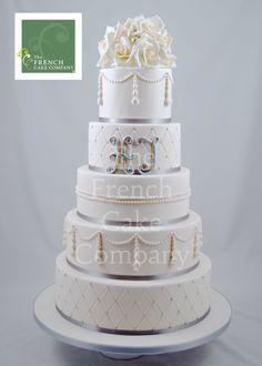 Wedding Cake Pearls ans White Flowers -  Piece Montee Mariage  Perles et Fleurs blanches - Bruidstaart