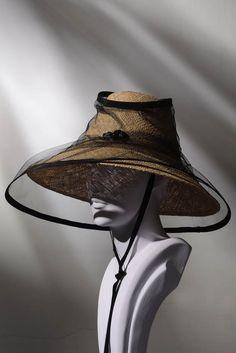 Stephen Jones Miss Jones Collection SS 2017 Race Day Hats, Hats For Women, Clothes For Women, Stephen Jones, Bohemian Style Clothing, Pamela, Fancy Hats, Love Hat, Caps Hats