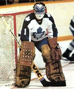 Jim Rutherford Toronto Maple Leafs (He played for the Pens as well) Hockey Goalie Gear, Ice Hockey Teams, Hockey Rules, Hockey Mom, Jim Rutherford, Maple Leafs Hockey, Toronto Maple Leafs, Hockey World, Goalie Mask