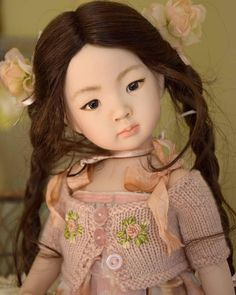 Little Sue, porcelain doll painted and dressed as a OOAK  by Laura Corti Dadatti,from mold Portrait #8 of Dianna Effner.
