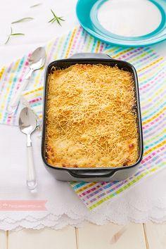 La lasaña cordón bleu es lasaña de pollo, jamón y queso. Te contamos cómo preparar una lasaña cordón bleu paso a paso. A todos les gustará este plato de pasta. Pasta Recipes, Chicken Recipes, I Chef, Tasty, Yummy Food, Cordon Bleu, I Love Food, Cooking Time, Lasagna
