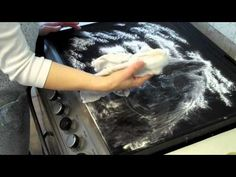 Cleaning the Hob with Baking Powder style Plaque Induction, Cleaning Hacks, Baking Soda, Blog, Voici, Html, 1930s Style, Solution, Cleaning