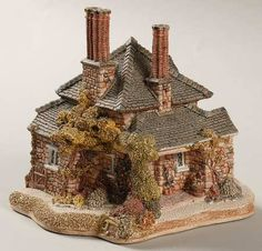 Lilliput Lane Diamond Cottage - Boxed