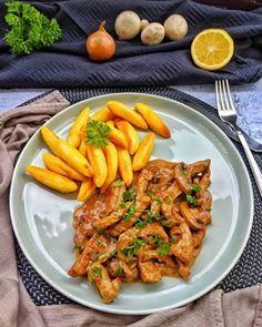Sliced Zurich style is a super delicious pan dish that is popular in Zurich … – Famous Last Words Pollo Tandoori, Tandoori Masala, Tandoori Chicken, Chicken Wings, Food Inspiration, Stew, Carrots, Garlic, Food And Drink