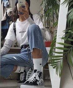 Tenue vintage - clothes - Tenue vintage – clothes You are in the right place about korean outfits Her - Cute Casual Outfits, Edgy Outfits, Mode Outfits, Retro Outfits, Vintage Hipster Outfits, Hipster Girl Outfits, Vintage Grunge, Vintage Style, School Outfits