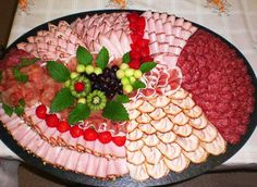 Great Snap Shots cold Meat snacks Suggestions, Take a look at these inspirations for proven records that you can. Deli Platters, Deli Tray, Cheese Platters, Meat And Cheese Tray, Meat Trays, Food Trays, Party Trays, Party Buffet, Snacks Für Party
