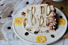 Tort cu ciocolata, mascarpone si capsuni - CAIETUL CU RETETE Camembert Cheese, Bread, Mousse, Caramel, Pie, Mascarpone, Raffaello, Sticky Toffee, Candy