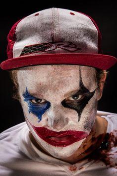maquillage-halloween-facile-clown-bleu-noirerouge