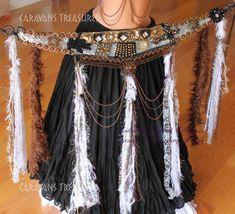 Feathery Fringe Belly Dance Bra and Belt SET with Tassels Guchi Gypsy Tribal Belly Dance Bra, Belly Dance Outfit, Gypsy Costume, Tribal Costume, Belly Dancer Costumes, Dance Costumes, Tribal Mode, Tribal Belly Dance, Tribal Fashion