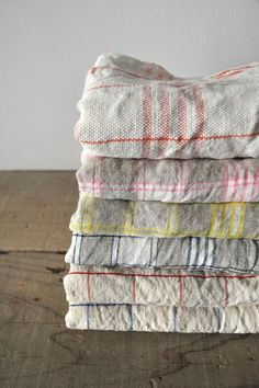 Tired of buying expensive paper towels? See how far a half dozen dish towels will take you. Get the plain cotton kind, not the terrycloth variety, and pretty soon, you'll be using them for everything. ~~ Houston Foodlovers Book Club