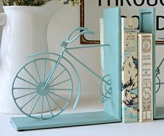 Blue Bicycle Book Ends--a bit too modern, but the idea is good Bicycle Art, Home Decor Online, Book Projects, Book Nooks, New Room, Home Decor Accessories, Decorating Your Home, Bookends, Sweet Home