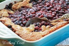 This page contains recipes for blackberry cobbler. Blackberry cobblers are a late summer treat for many of us. Whether the berries are picked from the wild or grown at a local farm they cook up into a yummy dessert. Blackberry Dumplings, Easy Blackberry Cobbler, Mixed Berry Cobbler, Blackberry Recipes, Blueberry Cobbler, Raspberry Cobbler, Crock Pot Desserts, Köstliche Desserts, Delicious Desserts