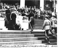 Look! We can see the backs of the royal couple! King George VI and his wife's quick trip in Toronto while on their tour of Canada in 1939.