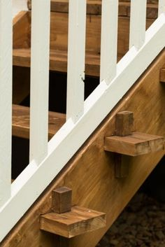 The porch stairs were rebuilt with treads fastened using mortise-and-peg joinery, a design that would have spared the use of nails, which were once a pricey commodity.