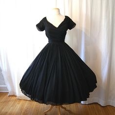 Beautiful! Dress Up Outfits, Sexy Dresses, Cocktail Dress Prom, Black Silk, Silk Chiffon, Vintage Dior, Vintage Style, Victorian Dresses, Vintage Dresses