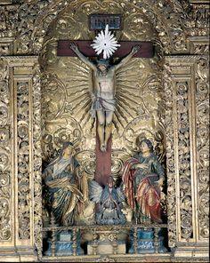 Inside Convento dos Cardaes,the magnificent altar da Sala da Paixão .