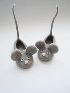 Zapatillas de tamaño chico felted ratones por HomeSoulShop en Etsy