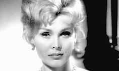 Morre a atriz Zsa Zsa Gabor, aos 99 anos Após estrear no cinema na década de 1950 e brilhar em 'Moulin Rouge', ela se tornou a primeira celebridade a fazer da própria vida espetáculo público
