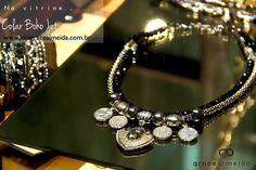 Na vitrine e na loja virtual!! COLAR BOHO JET www.lojagracealmeida.com.br