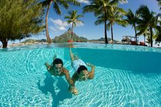 Hold my hand and let's swim together in Bora Bora ! At the Intercontinental Thalasso