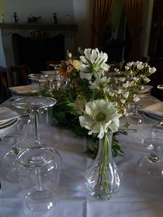 Huge Dahlias and the most gorgeous David Austin roses in peach for this casual italian country wedding David Austin Roses, Mini One, Centrepieces, Italy Wedding, Dahlias, Lake District, Flower Delivery, Peach Colors, Pretty Little
