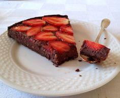 Torta di fragole e cioccolata fetta
