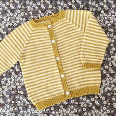 Browse all products in the Baby 0 - 24 Mdr. category from PixenDk. Baby Knitting Patterns, Baby Cardigan Knitting Pattern, Crochet Baby Cardigan, Baby Patterns, Easy Knitting, Knitting For Kids, Knitting Dolls Clothes, Baby Girl Sweaters, Creations