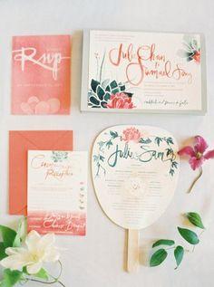 Hochzeitseinladung mit floralem Muster, grün und pink