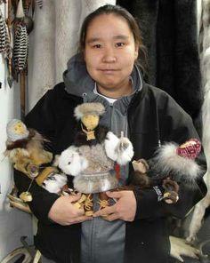 Jeanie Witter Doll Maker Alaskan Yup'ik Eskimo from Togiak, Alaska Native American Dolls, American Indians, Horse And Human, Indian Dolls, Doll Maker, Environmental Art, Native Art, Indian Art, Arctic