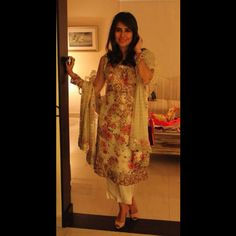 Syra Yousuf wears a Zara Shahjahan floral formal