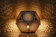 Flower Of Life Dodecahedron Table Light Cozo - An Illuminated Flower Of Life Light To Bring Ancient Wisdom Healing And Interconnection To Your Home It Is Considered By Some To Be A Symbol Of Sacred Geometry Depicting The Fundamental Forms Of S Yoga Studio Design, Lampe Tube, Sacred Geometry Art, Geometry Tattoo, Sri Yantra, Order Flowers, Grid Design, Flower Of Life, Geometric Art