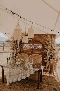 Boho Wedding, Fall Wedding, Wedding Flowers, Dream Wedding, Wedding Dreams, Wedding Table, Outdoor Tent Wedding, Wedding Decorations, Wedding Themes