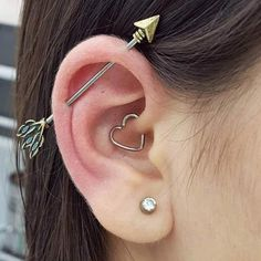 58 Breathtaking jewelry ideas for Daith piercings that reflect the contemporary . - 58 Breathtaking jewelry ideas for Daith piercings that radiate contemporary charm - Daith Ear Piercing, Piercing Eyebrow, Cool Ear Piercings, Tattoo Und Piercing, Body Piercings, Cool Peircings, Female Piercings, Bellybutton Piercings, Tongue Piercings