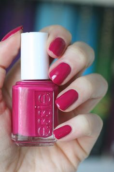 B'aha Moment || Essie Spring 2017 B'aha Moment Collection : Review, Swatches & Comparisons | Essie Envy