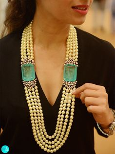 Although making and designing fine jewelry involves some similarities with developing other types such craftsmen and craft fashion jewelry, one requires to master other skills to be an effective great jewelry designer. Pearl Jewelry, Indian Jewelry, Diamond Jewelry, Antique Jewelry, Gold Jewelry, Beaded Jewelry, Fine Jewelry, Jewelry Necklaces, Beaded Necklace